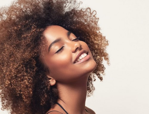 ¡Cuida tu cabello rizado!